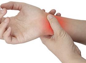 Боли в запястье: причины, проявления, диагностика, лечение